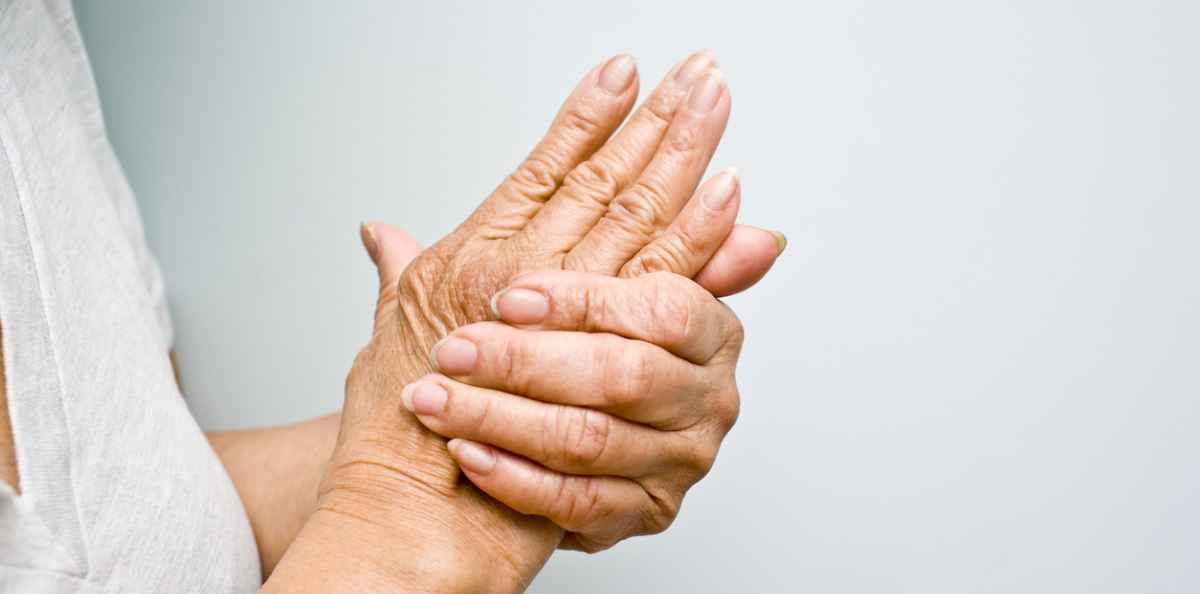 Sydänkohtaus Oireet Vasen Käsi